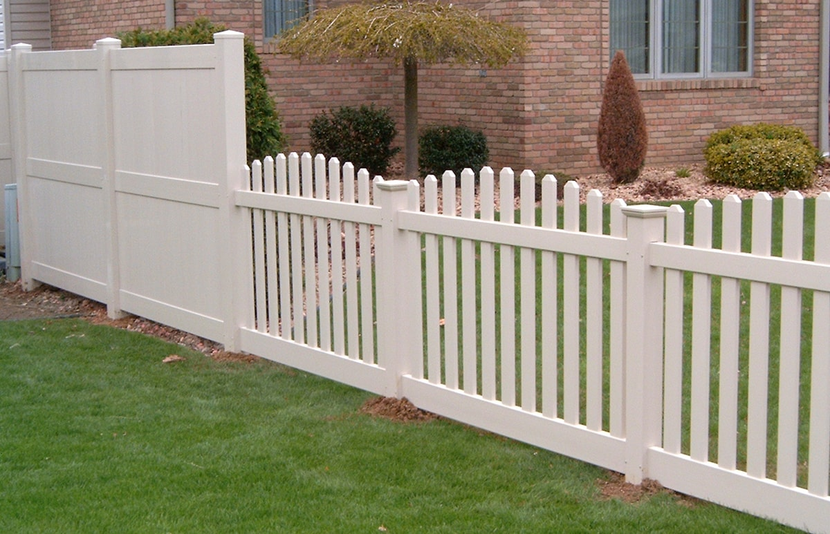 Convex Top Wide Picket Fence Contractor Mt Hope Fence